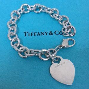 ❤️💚Authetic Tiffany & Co Charm Bracelet 💚❤️